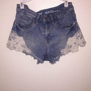 Cute High Rise short (denim Jeans)🤩